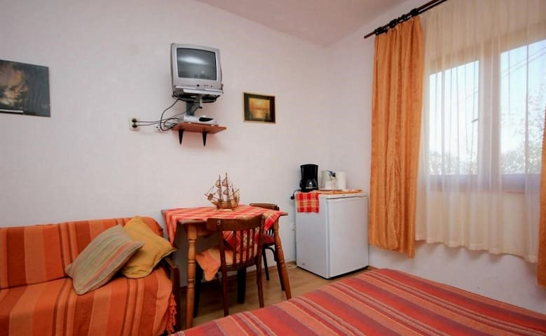 Ro-Ella - Double or twin room with garden view S3
