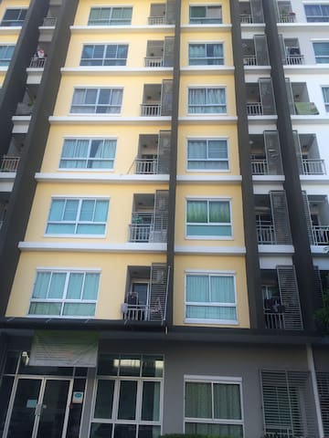 Condo for cheap on sukhumvit soi113 - Tambon Sam Rong Nua - Leilighet