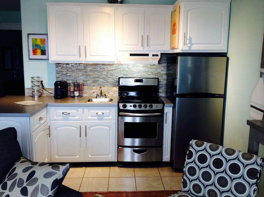 Full Galley / Kitchen with Tassimo coffee / beverage maker!