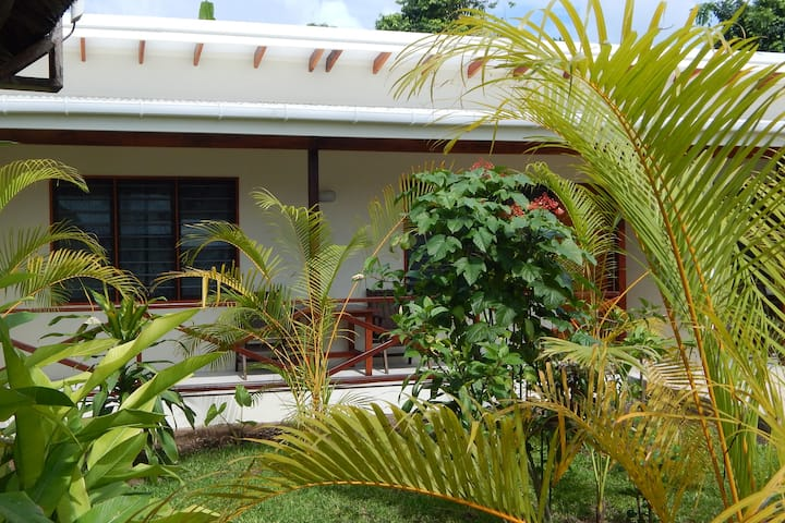 Manta Garden view family apartment