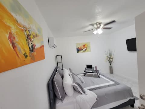 Incredible apartment with terrace and outdoor kitchen, perfect room to rest and work from the comfort of bed, kitchen with all the necessary appliances and bathroom with extra large shower ... YOU WILL FEEL LIKE AT HOME !!! WE ARE WAITING FOR YOU !!