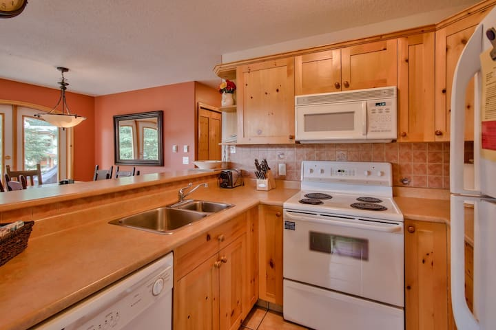 Perfectly Located 4 Bedroom Townhouse