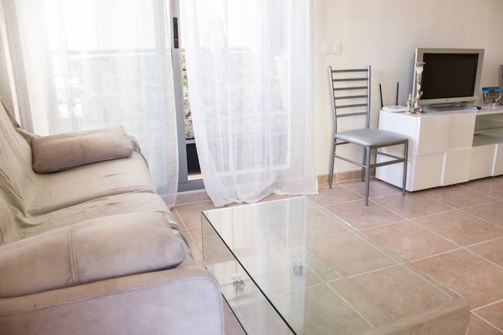 Apartment in Carrer Basilio Paredes BQ2, N17