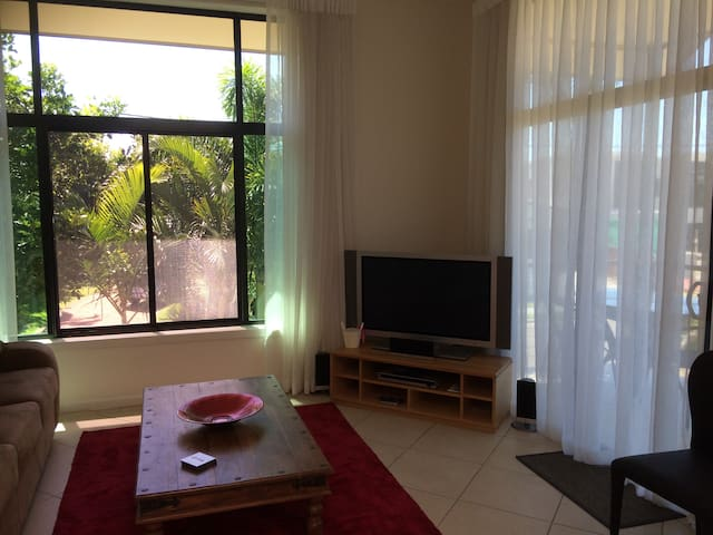 Mooloolaba Loft modern and comfortable.