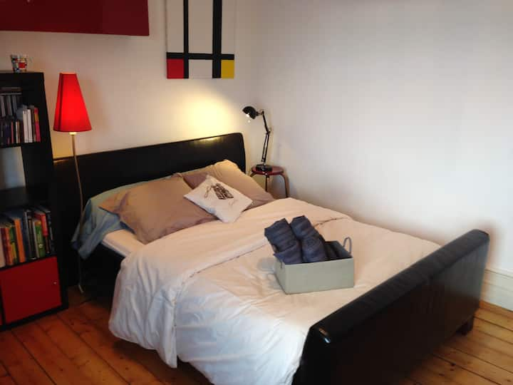 Cozy Room - 15 minutes from Christmas Market