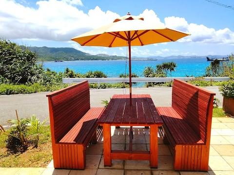 Ocean view/beach 1 min walk/BBQ/WIFI/early checkin