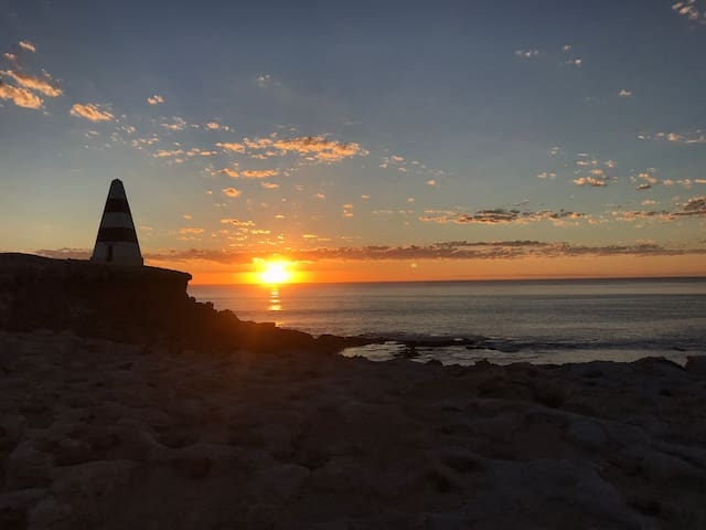 Obelisk, Cape Dombey