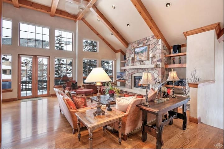 Ski In/Out luxury w/ amazing views-Pinehurst 3