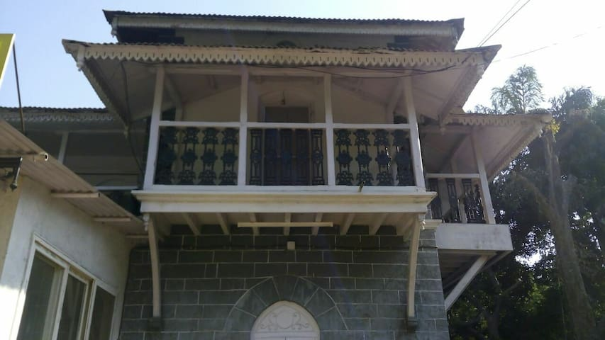 The Heritage Bungalow - Lonavala - Casa de camp