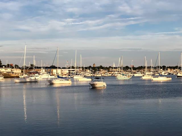 Warren, RI as seen from the Barrington River