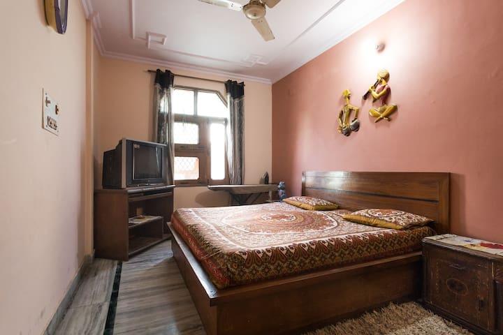 Lavish Private Room on the rooftop in North Delhi - Nové Dillí - Byt