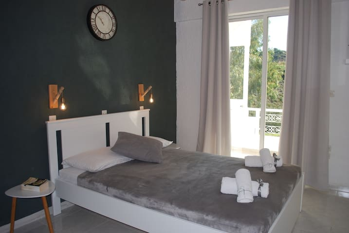 Modern, cosy studio - retreat-relax-explore I