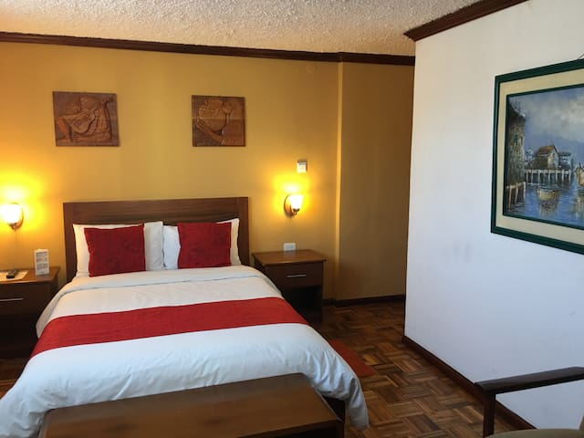 Hotel Mitad del Mundo, Suite Matrimonial