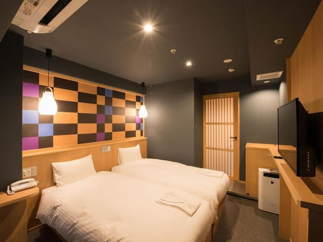 [5 min on foot to Kinshicho Sta.] Perfect for sightseeing Tokyo/ [Free breakfast ,Wi-Fi]Twin bedroom  (22㎡) [B]