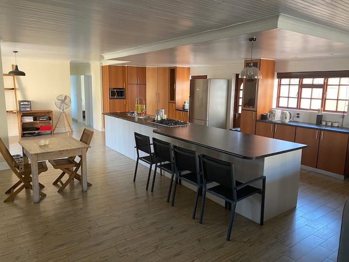 Muizenburg private holiday home 1km from the beach
