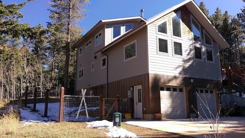 Trailside Abode              License Number NED016