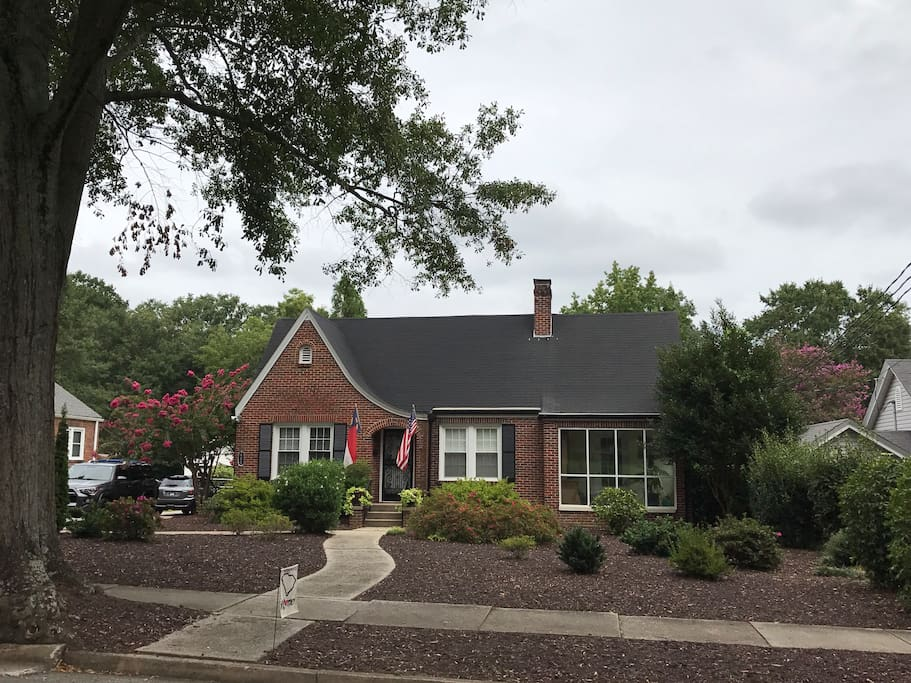 Front of the main home. Airbnb is located in the rear. (See additional pics)
