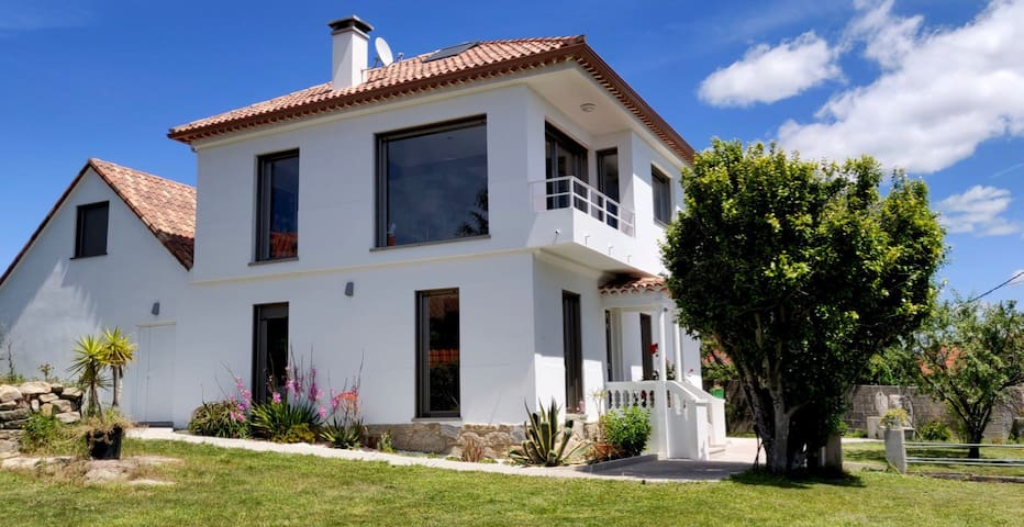 Villa Pepita- Sea views