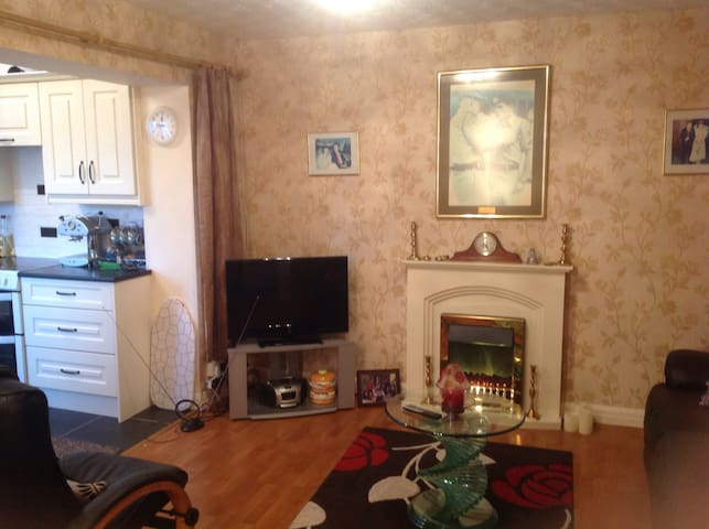 Cosy 1 bed ground-floor apartment - Cranmore - Apartemen