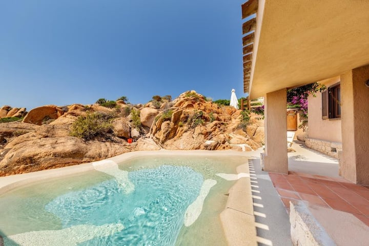 Suite Rosa 10 with private natural pool