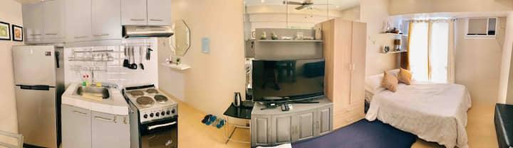 Studio in Avida IT Park w/ High Speed Wifi + Cable