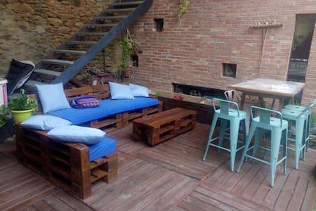 Habitacio independent en un paller restaurat