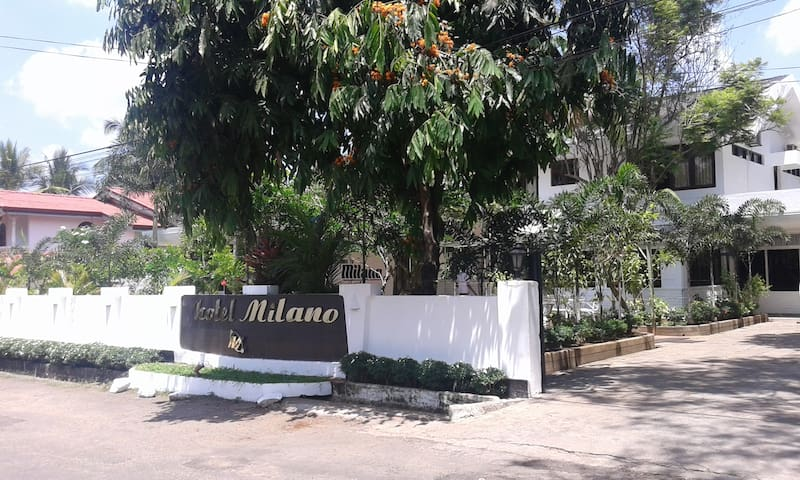 Milano B&B Double Room For 1 Person - Anuradhapura - Bed & Breakfast