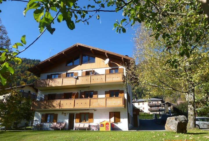 App. 4 vicino a M. di Campiglio e alle Dolomiti
