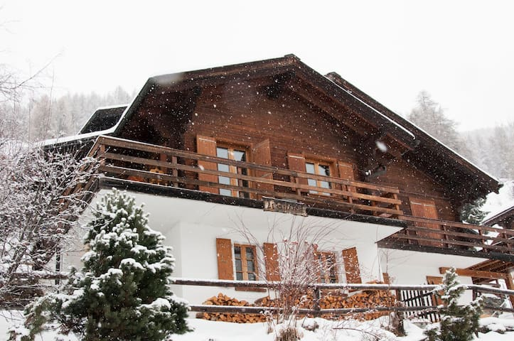 Beautiful Chalet in the Swiss Alps - Saint-Luc - Chalet