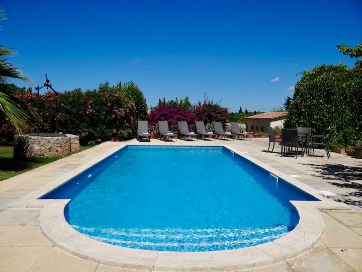Pretty villa with solar heated salt water pool