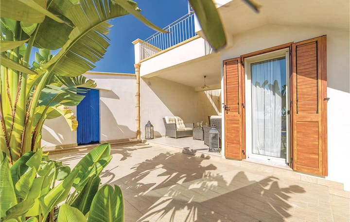 Stunning home in Menfi -AG- with WiFi and 2 Bedrooms