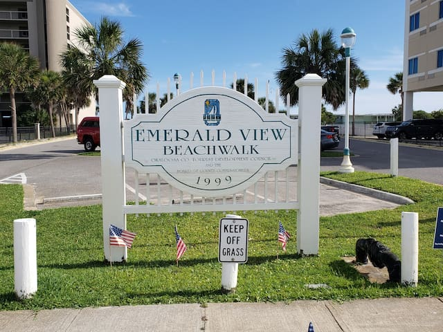2 bed beach townhome just steps from Gulf