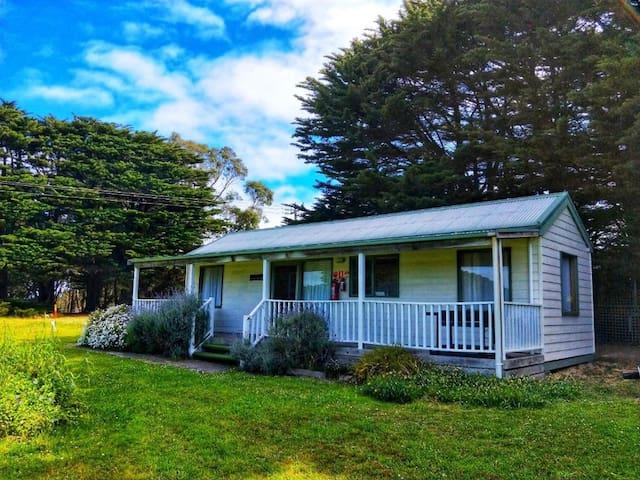 Twelve Apostles Motel Two Bedroom Family Cottage