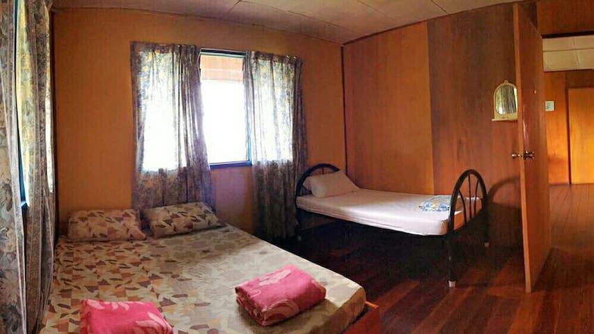 Family room near Kinabalu Park - Kundasang