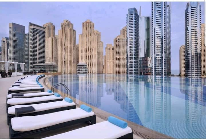 Large OneBed Apt in Address Dubai Marina Residence