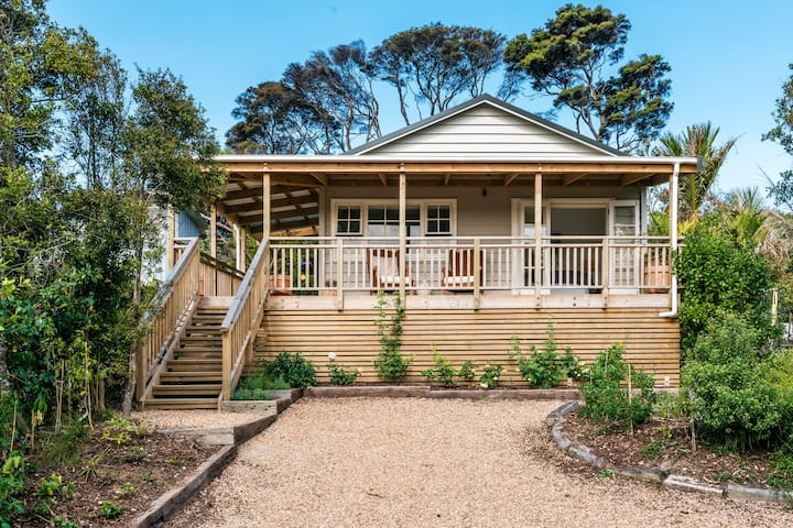 The Rose Cottage Waiheke Island 2 Bedroom Bliss