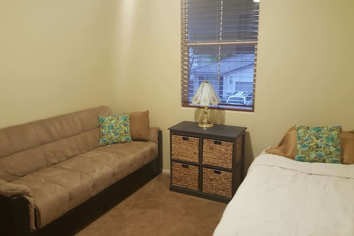 PERFECT Place for 2 for Stagecoach! - Indio - House