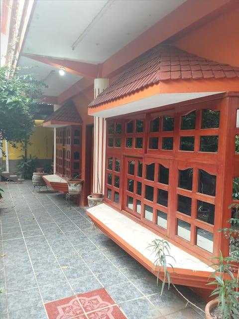 """Alojamiento Confortable """"Casa Abasolo"""" Céntrico."""