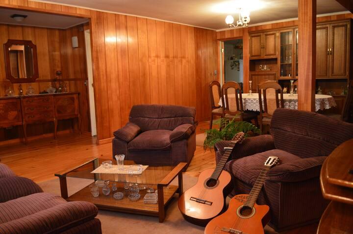 Hospedaje Familiar. Casa Verde. (2 habitaciones)