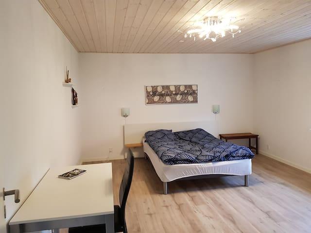 Esbjerg Stort lyst værelse 20m2