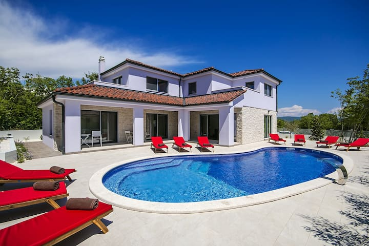 Brand new Villa MaLiNA with Pool - Belavići - 別荘