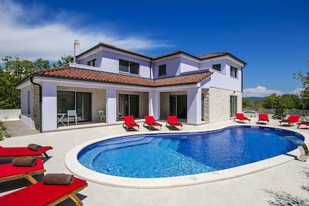 Brand new Villa MaLiNA with Pool - Belavići - Villa