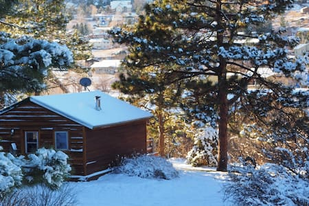Quaint and Historic Studio Cabin