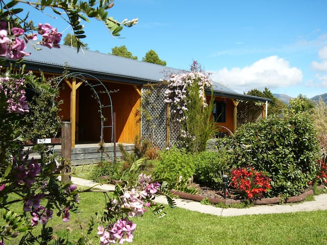 Riwaka Retreat Holiday Accommodation - Riwaka