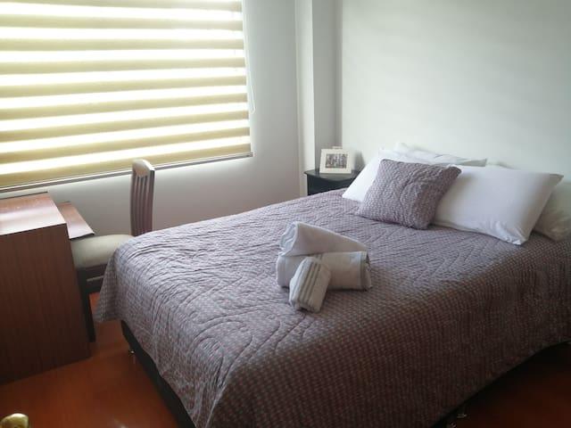Confortable bedroom ,center location in bogota