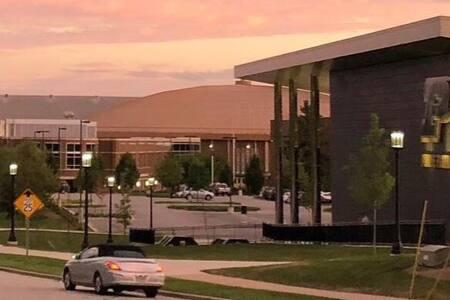 Purdue Football/Basketball/Campus steps away!!