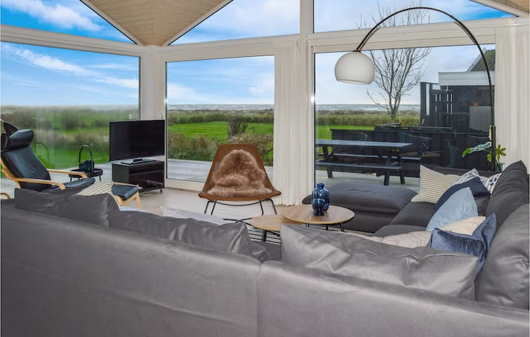 Holiday cottage with 3 bedrooms on 100m² in Sæby