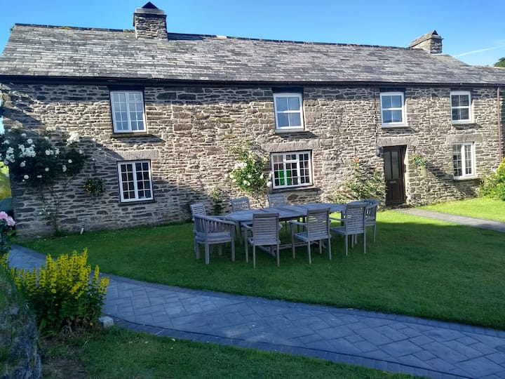 Fentrigan Manor Farmhouse, Bude, North Cornwall