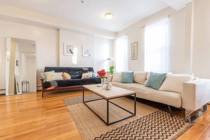 2.😷 Corona-Proof Apartment: Spacious & Bright! 😷
