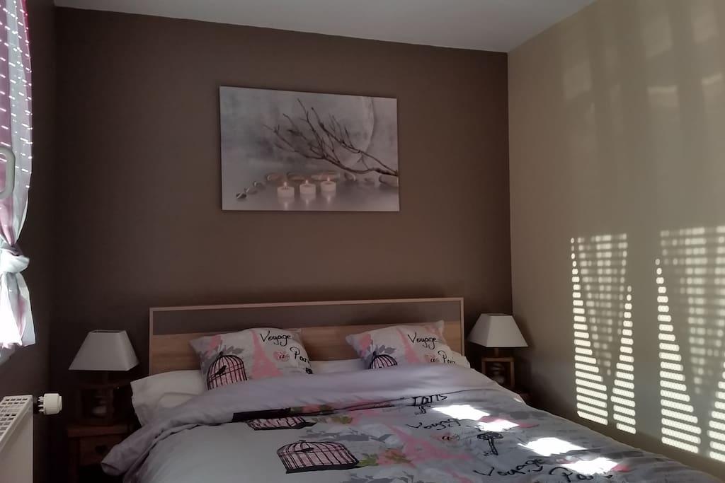 39 39 les noisettes de cry chambres dans villa chambres d 39 h tes louer reignier esery. Black Bedroom Furniture Sets. Home Design Ideas